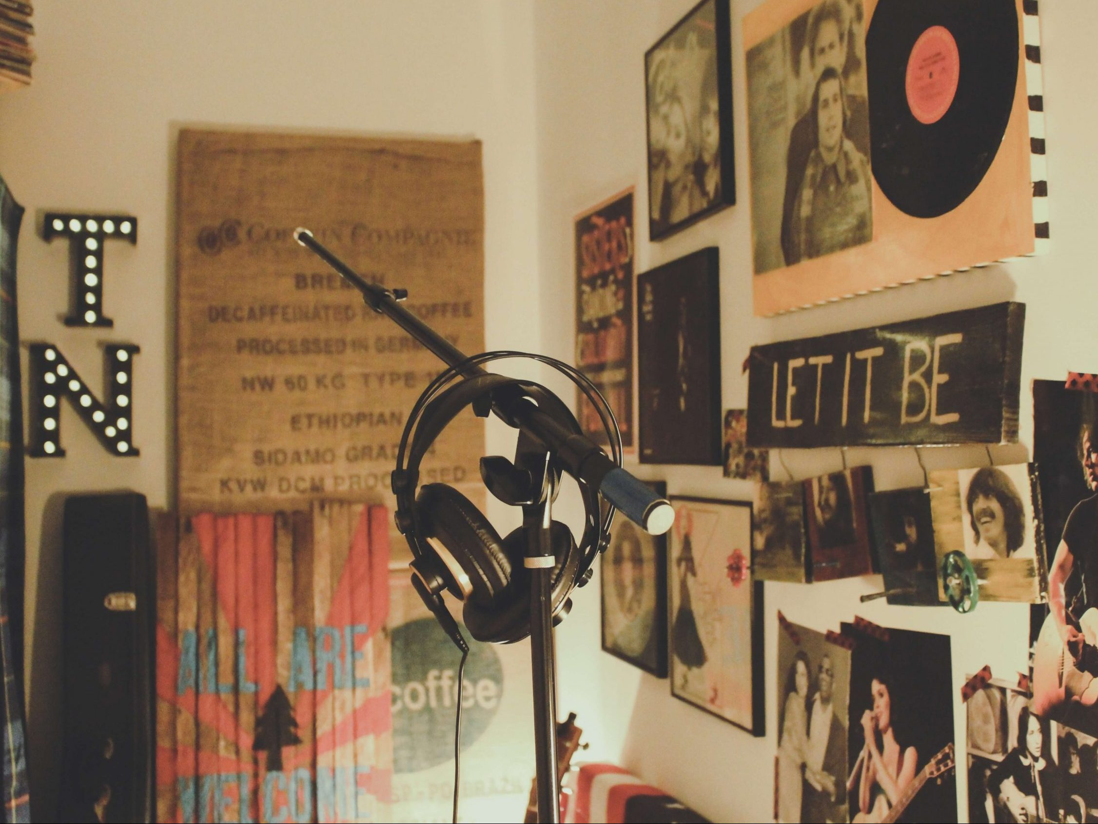 music gifts wall